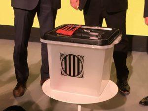 urnas del referéndum de Cataluña