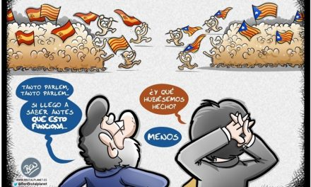 Expectación ante las palabras de Carles Puigdemont en el Parlament sobre la posible declaración de independencia de Catalunya