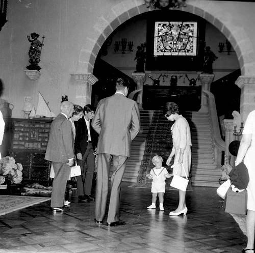 La familia de Juan Carlos I con Francisco Franco