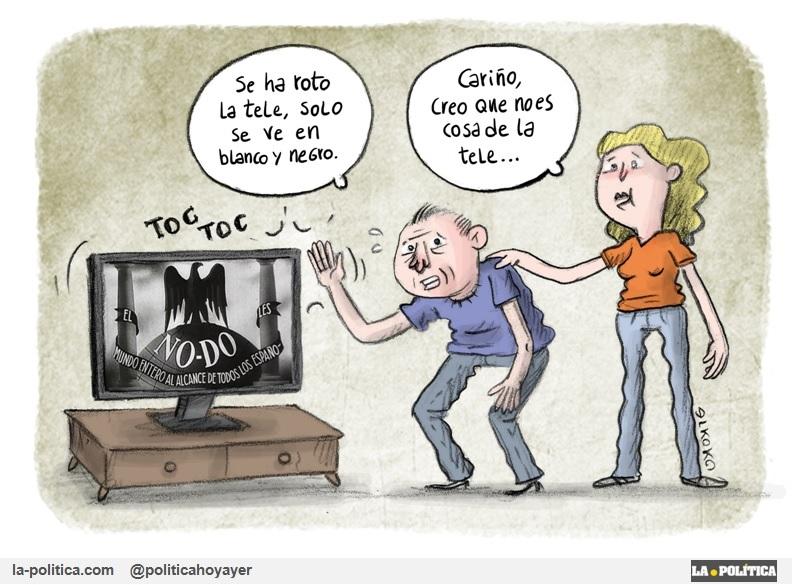 - Se ha roto la tele, solo se ve en blanco y negro. - Cariño, creo que no es cosa de la tele... (Viñeta de ELkoko)