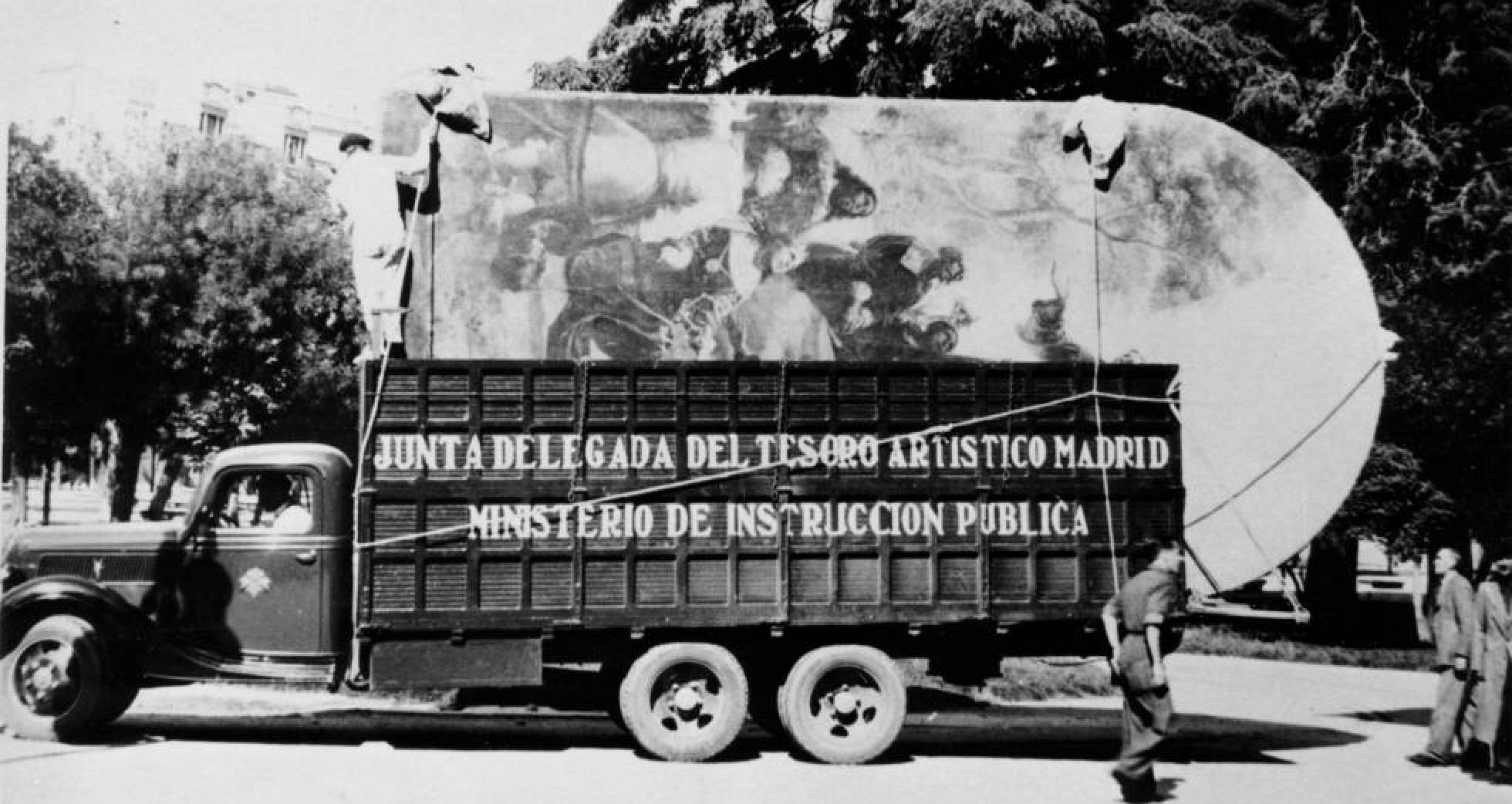 Camión cargado con pinturas sale del Prado en noviembre de 1936 con destino a Valencia. INSTITUTO DE PATRIMONIO CULTURAL DE ESPAÑA