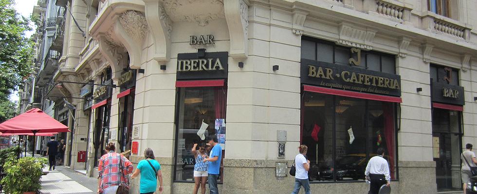 """Bar Iberia, segundo bar más antiguo de Buenos Aires. Fue declarado en 2005 """"Sitio de Interés Cultural"""" por la Legislatura porteña, la que también lo ha distinguido como """"La Esquina de la Hispanidad""""."""